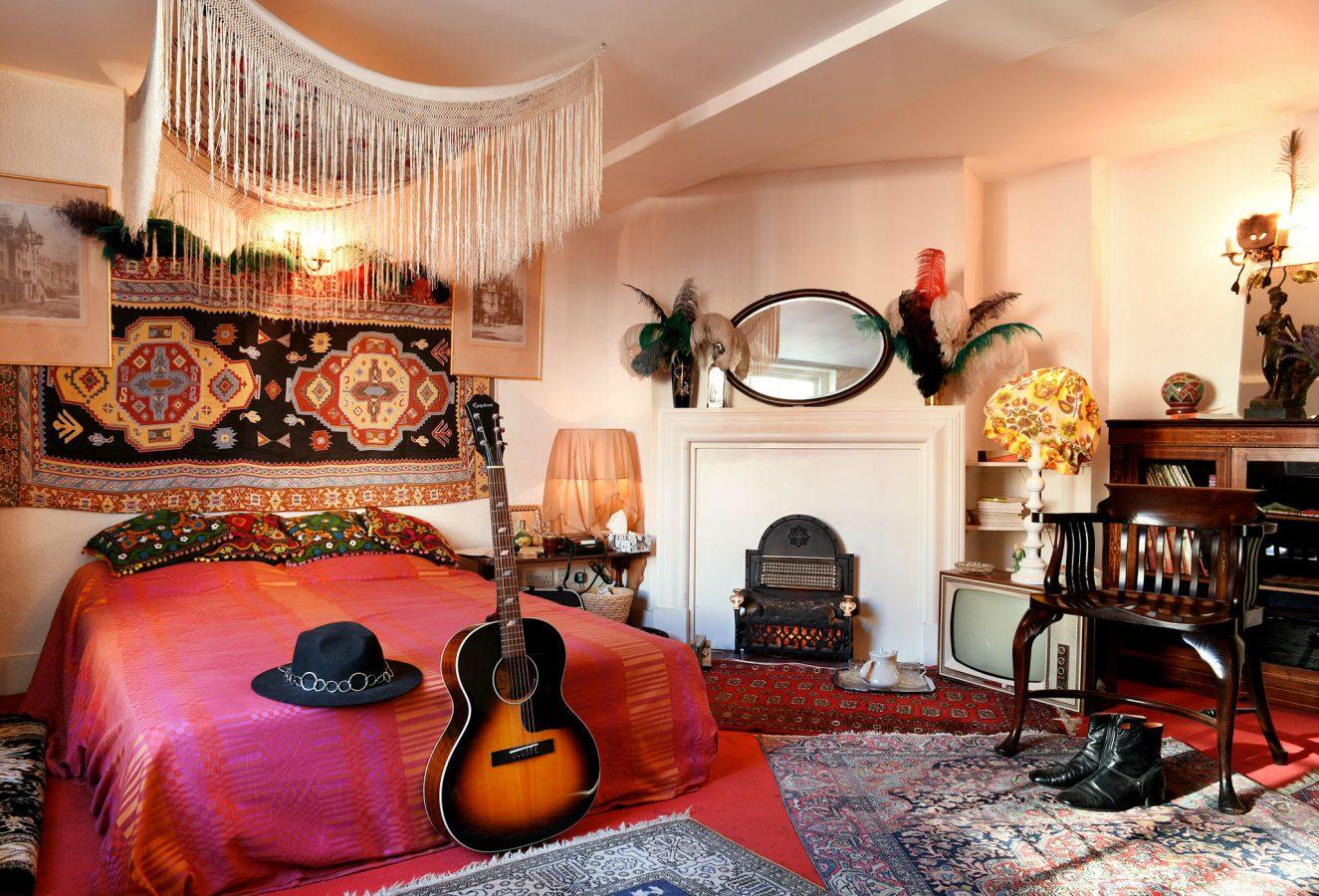 Handel Hendrix in London Jimmy Hendrixs Bedroom